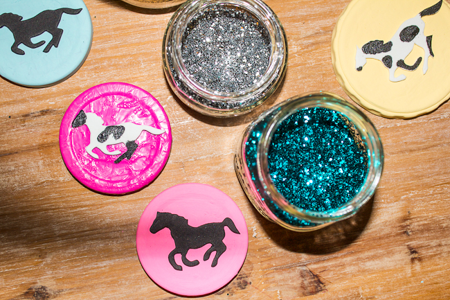 DIY Painted Lids with Horses