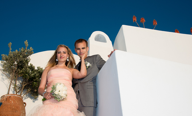 The newly weds in Santorini, Greece