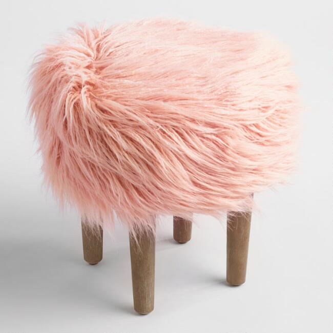 10 Affordable Faux Fur Pieces for Your Home | Horses & Heels
